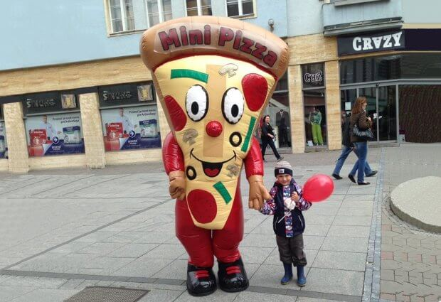 Opblaasbaar pizza mascotte