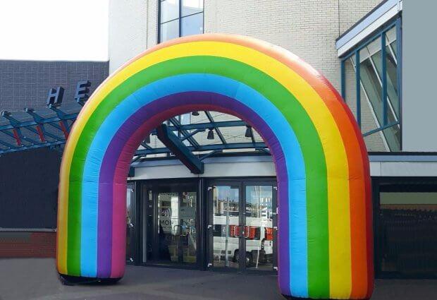 Opblaasbare regenboog